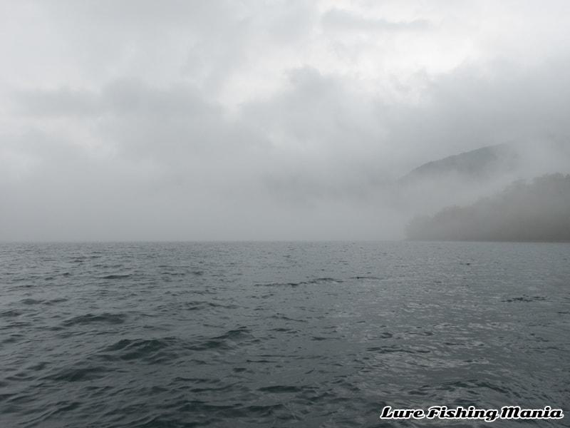 濃霧になり、体感温度も急降下