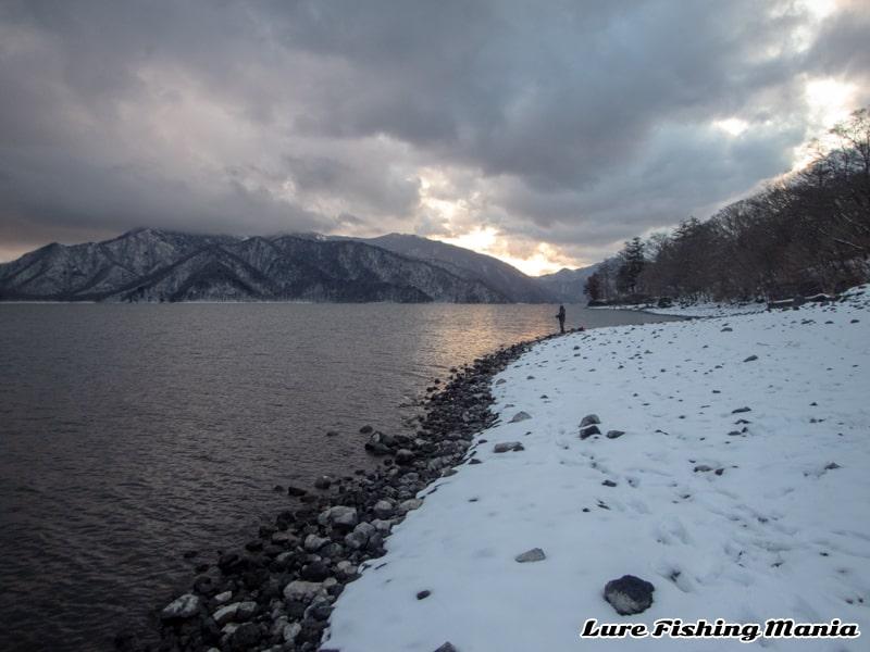 最後はすっかり晴れた中禅寺湖