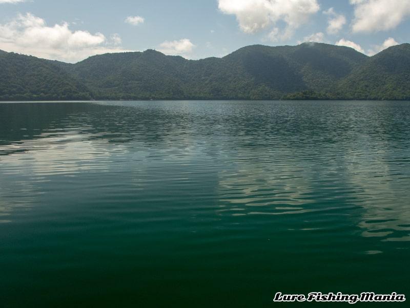 太陽が出てきた中禅寺湖