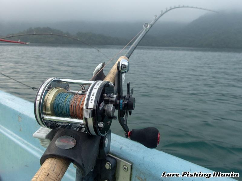 魚探反応はあるものの口を使ってくれずシステム変更