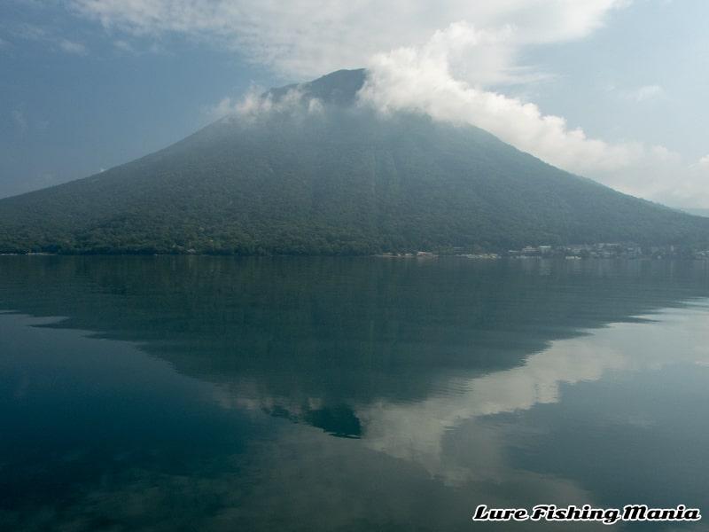 午前8時前後の気圧変化で無風になった中禅寺湖