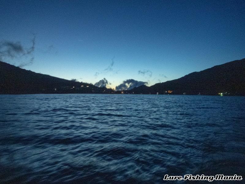 早朝の中禅寺湖