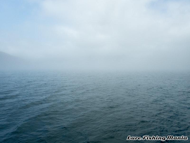 再び霧に包まれる中禅寺湖