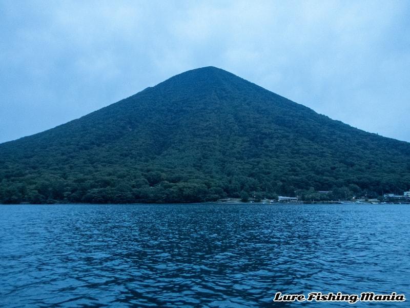 今日ははっきりと見えた男体山