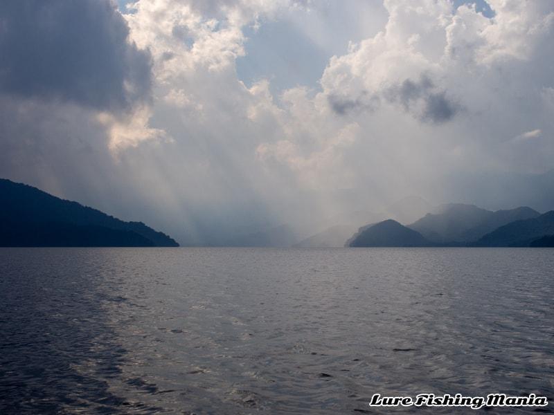 午後は雲が多くなり釣れそうな雰囲気