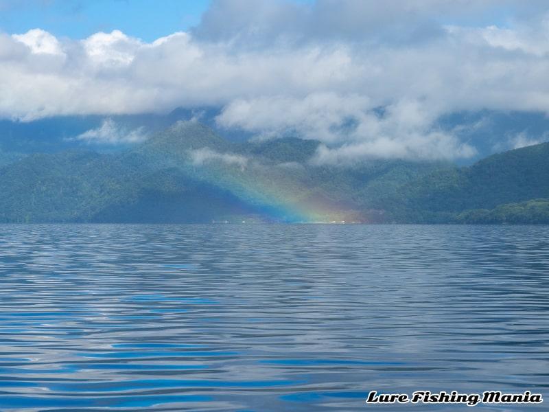 ニジマスを釣ったあとに虹が出る