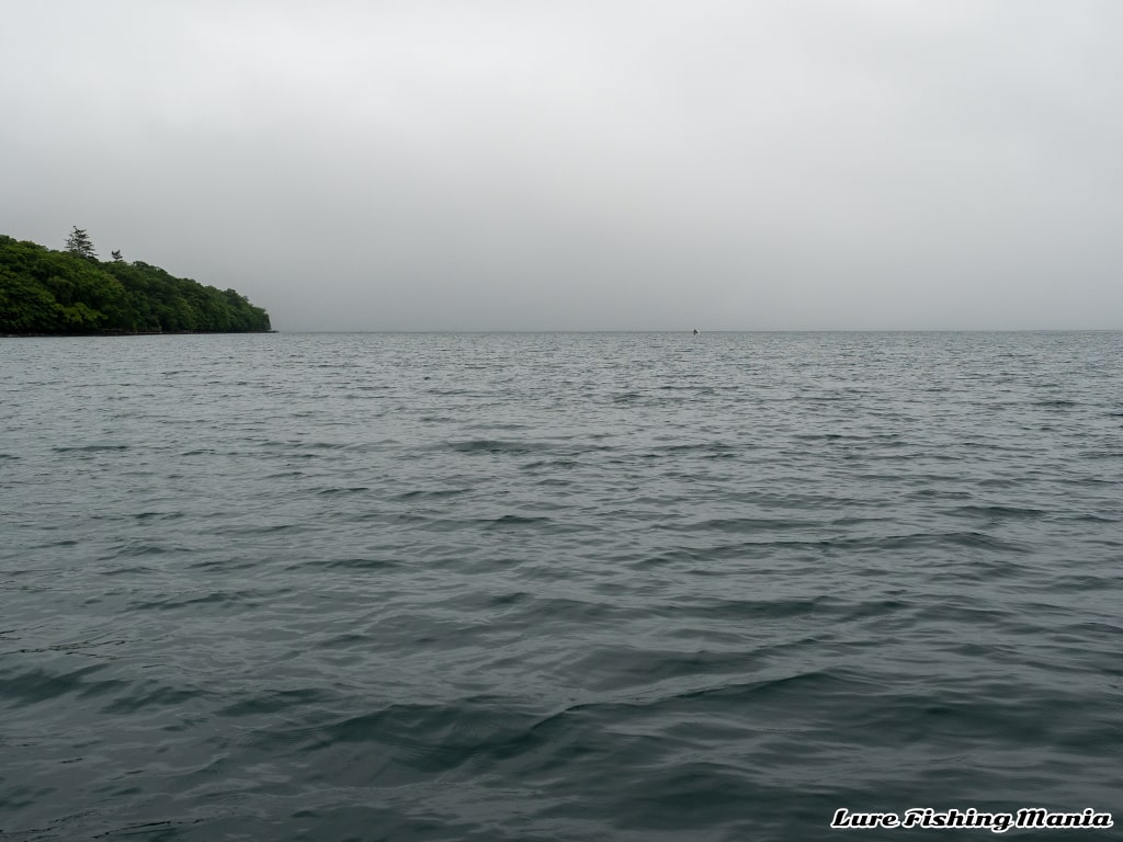 北東風で徐々に視界不良になる中禅寺湖